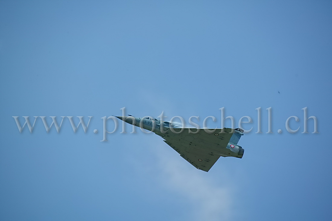 Mirage 2000 en passage lent